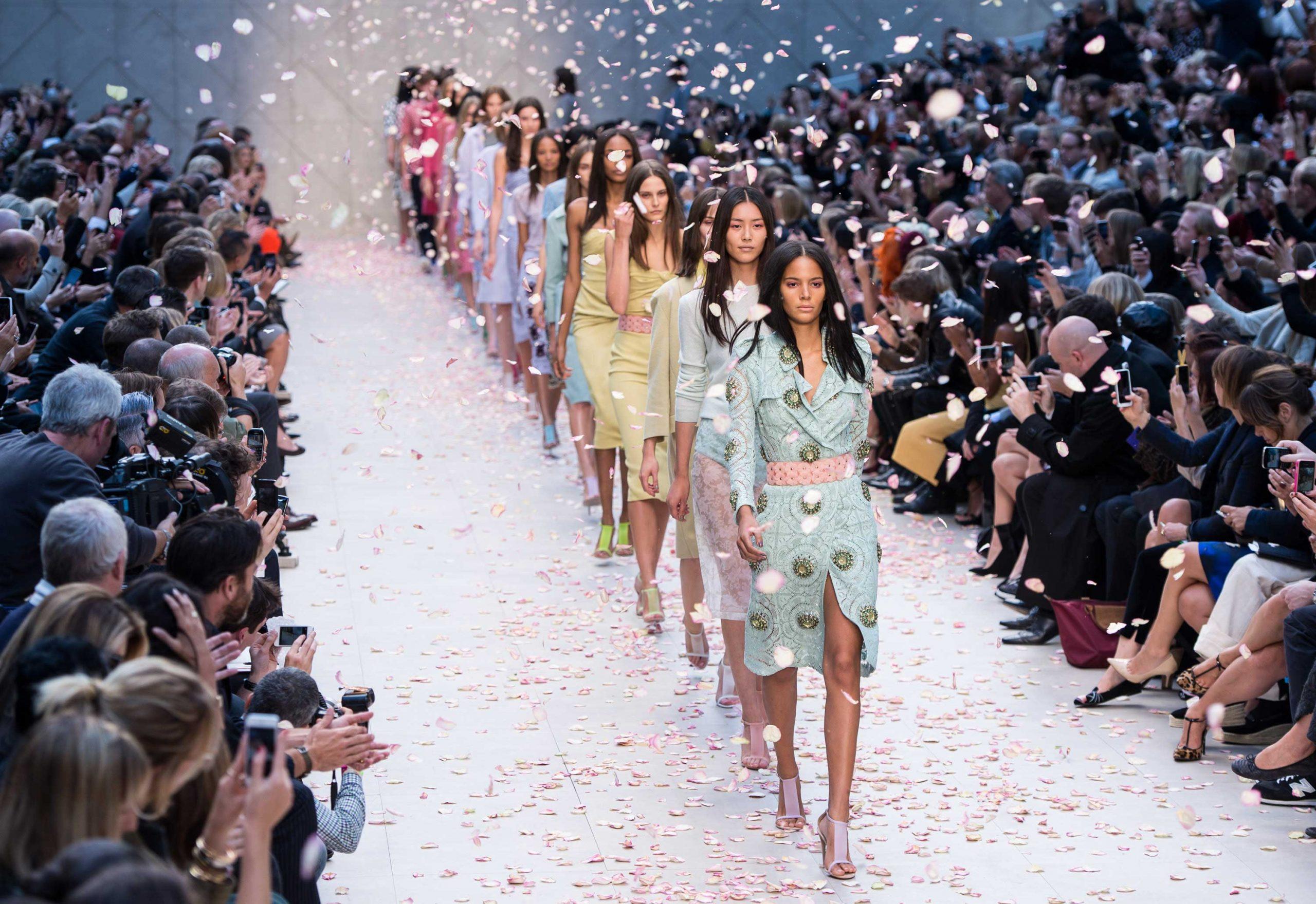 Ежегодный показ мод для юных дизайнеров Graduate Fashion Week