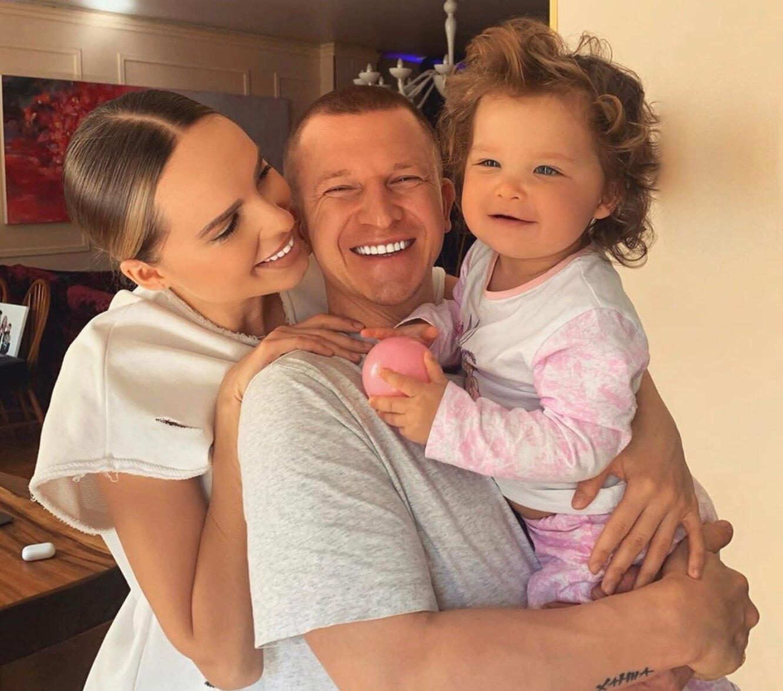 Ханна опубликовала новые фото с дочерью на отдыхе